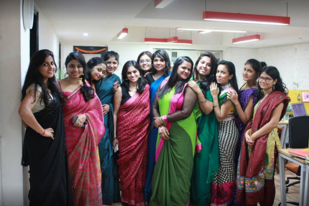 Indian young women entrepreneur ShilpaWadhwa with Wishbox Team